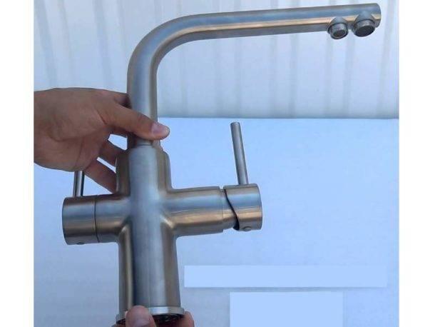 Установка крана для фильтра питьевой воды
