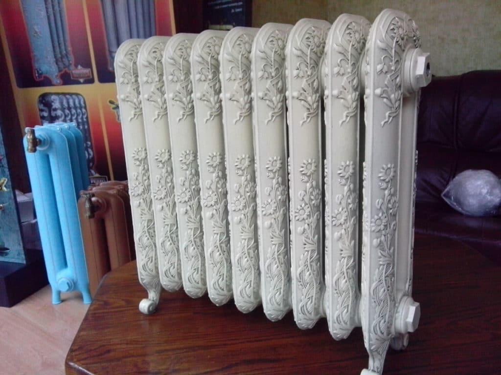 Чугунный радиатор ретро