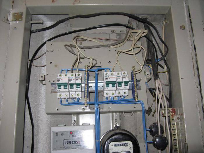 Монтаж электропроводки дома