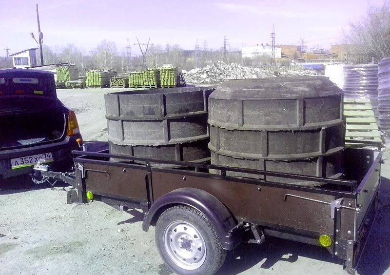 Компоненты сборного полимерно-песчаного колодца можно перевезти на стандартном прицепе легкового автомобиля