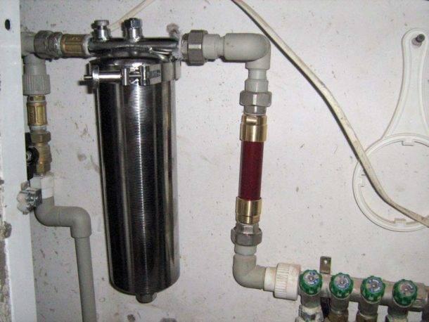 Проточный фильтр для горячей воды