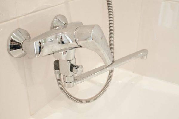 Тройник для смесителя ванной