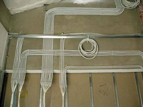 Монтаж наружной проводки
