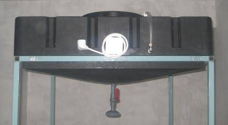 Душевая кабина из поликарбоната для дачи