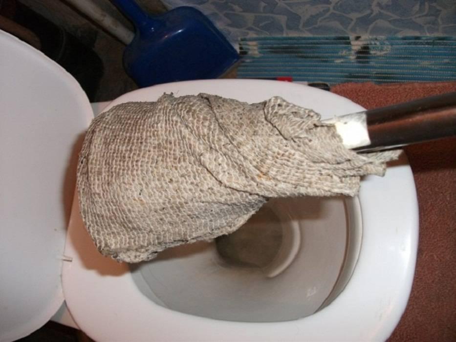 Как почистить канализацию в домашних условиях