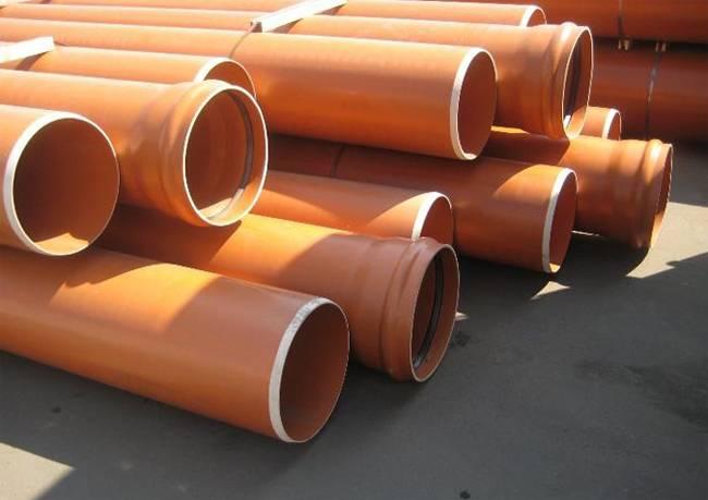 Чем отличается рыжая канализационная труба от серой