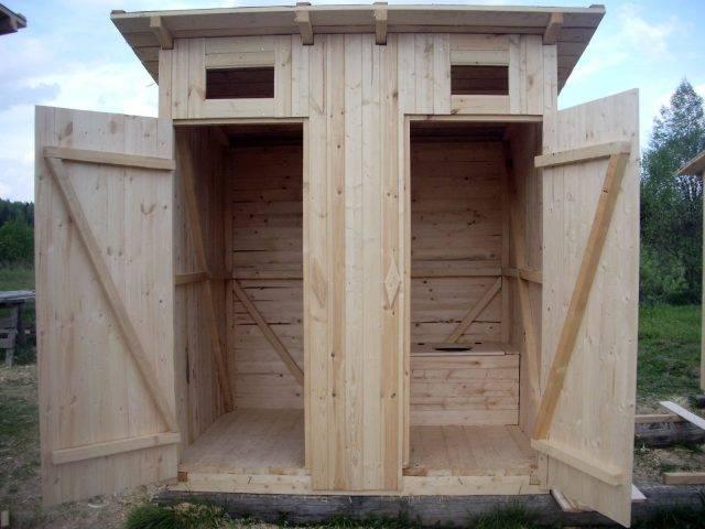 Уличный туалет из кирпича