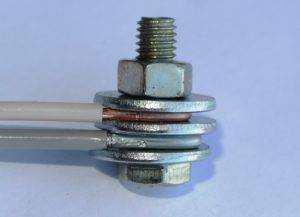 Как соединить провода в распредкоробке
