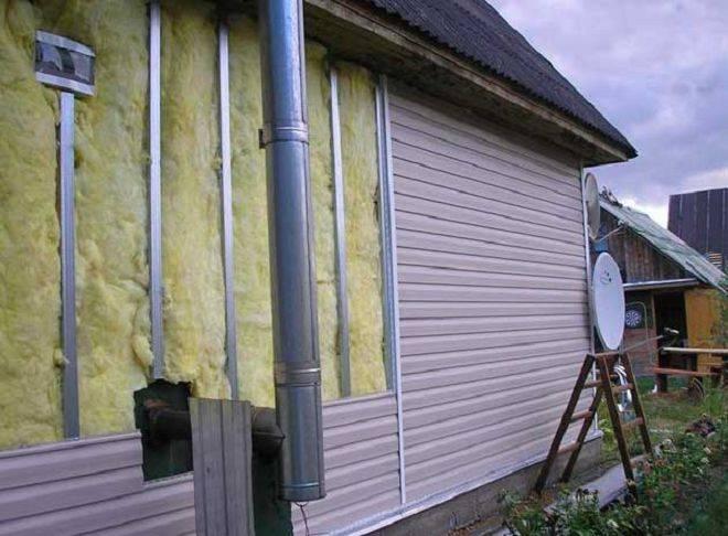 Как утеплить бревенчатый дом снаружи минватой