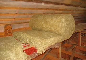 Как утеплить деревянный дом изнутри своими руками