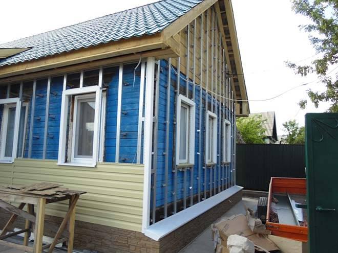 Утепление стен деревянного дома снаружи своими руками