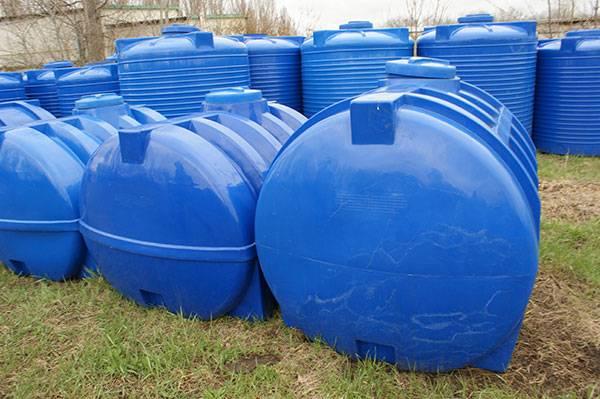 Полиэтиленовая емкость для воды