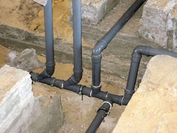 Как правильно смонтировать канализацию в частном доме