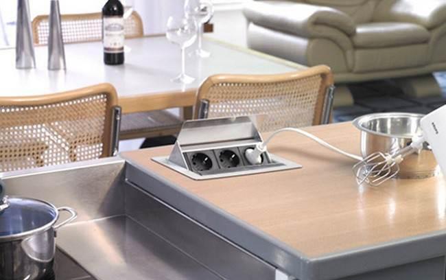 Розетки встраиваемые в столешницу на кухне